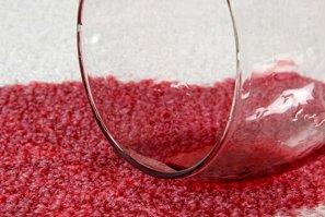 ¿Cómo quitar las manchas de vino? Guía completa